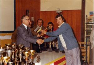 Entrega de trofeo por Sr. Marimon